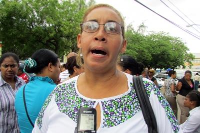 Liberan 12 profesores quienes protestaban en Cambita Sterling: