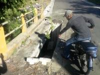 Colapso del puente preocupa a moradores de La Javilla en Licey