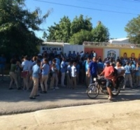 Paralizan clases en escuela de Monserrat en Tamayo: