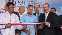 Medina entrega seis escuelas en la provincia Hermanas Mirabal