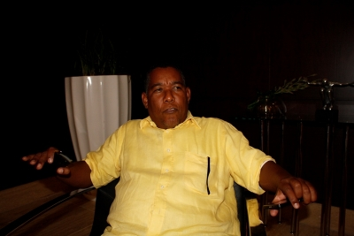 El alcalde Tábara Arriba Koki Severino, es un seguidor de Leonel Fernandez y gracias a él, su pueblo esta asfaltado