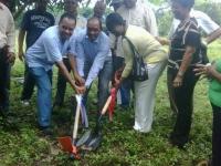 El gobernador Julio Cesar Díaz, inicia construccion liceo secundario de Cambita Sterling.