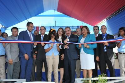 Presidente Danilo Medina inaugura dos escuelas y una estancia infantil en Santiago: