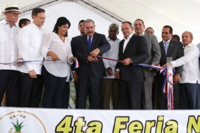 """Senador: """"La piña estaba agria hasta que Danilo llegó a Cotuí"""":"""