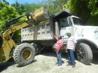 Parte de los equipos pesados que se utilizaron en el saneamiento del Cachón Pocilga en Villa Jaragua, Bahoruco.