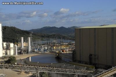Deposito de agua utilizada en la minería en Barrick Gold.