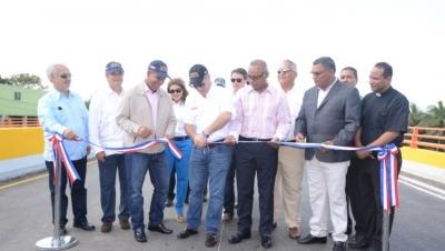 Ministerio de Obras Públicas abre al tránsito nuevo elevado de Piedra Blanca: