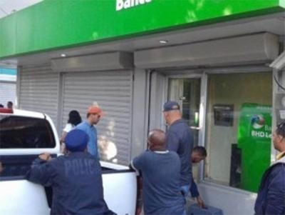 Banco BHD-León robado en Tamboril, Santiago.