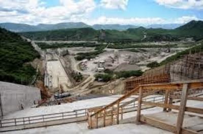 Son paralizado los trabajos en la presa de Sabana Yegua