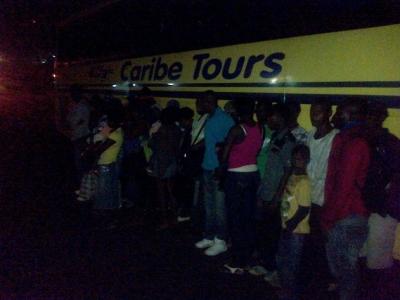 CESFRONT y el G2 apresan autobus de Caribe Tours cargada de 36 Haitiano ilegales