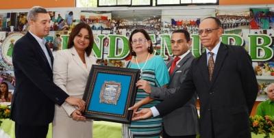 Gradúan en áreas técnicas casi seis mil hombres y mujeres de la provincia Duarte: