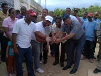 Gobernador de Barahona, da picazo para inicio de cuartel policial en Jaquemeyes