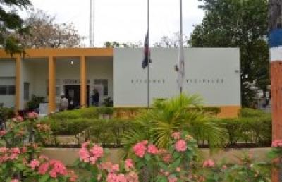 Denuncian actos de corrupción en el ayuntamiento de Licey al Medio:
