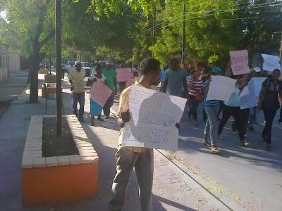 Marchan exigiendo varias reivindicaciones sociales Jaragua