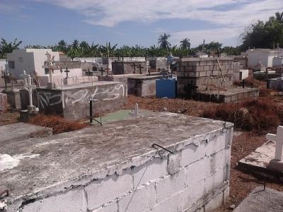 Cementerio del viejo Azua.