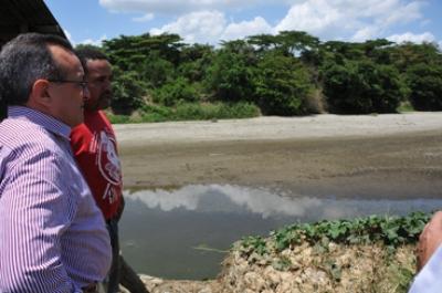 Gobierno va en auxilio de productores afectados por la sequía en la línea noroeste: