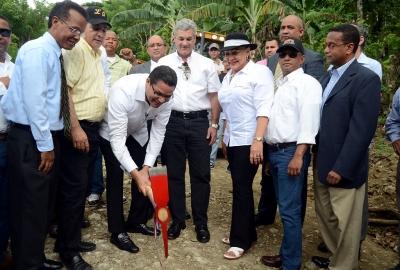 Indotel y Obras Públicas inician  construcción carretera El Mogote