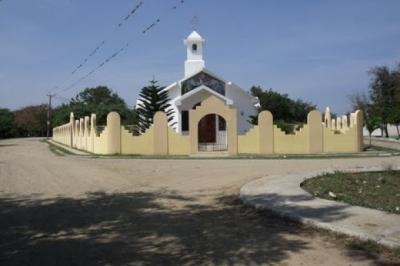 Asalto a una iglesia, sacerdote tirotea a los agresores