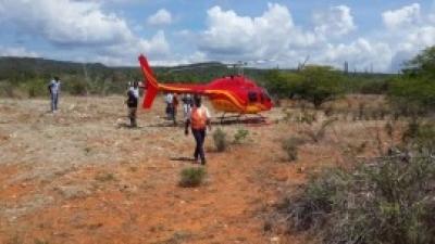 Helicóptero aterriza de emergencia por fallas mecánicas, en Oviedo, Pedernales: