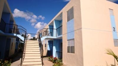 Medina entrega 128 casas en Monte Plata