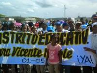 Vicente Noble protestan en demanda del distrito escolar 01-05