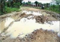 Habitantes de Chirino reclaman del gobierno el arreglo de carretera