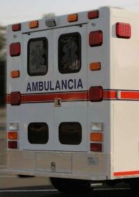 Ayuntamiento Pepillo Salcedo entrega ambulancia a Bomberos