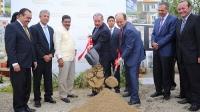 Inician construcción de proyecto Praderas del Norte, presidente Medina da primer palazo
