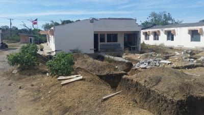 Reconstrucción hospitales de Los Hidalgos y Villa Isabela paralizados por meses: