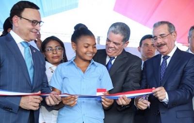 Presidente inaugura 15 escuelas en el Cibao