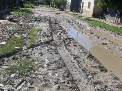 Habitantes en Cotuí reclaman arreglo de calles y construcción de aceras: