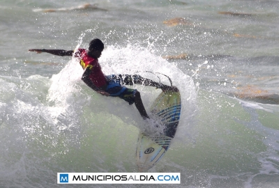 Arranca Barahona International Surf Championship en Playa Bahoruco